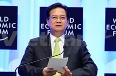 Le PM Nguyen Tan Dung de retour du Myanmar