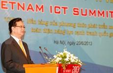 Hanoi: ouverture du 3e Sommet sur les TIC du Vietnam 2013