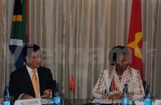 Activités du ministre des AE vietnamien en Afrique du Sud