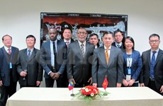 Vietnam établit des relations avec Antigua-et-Barbuda