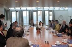 Le vice-président de l'AN Uong Chu Luu en visite en Norvège