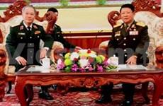 Une délégation du Commandement de la capitale de Hanoi au Laos