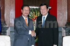 Le vice-PM laotien Somsavat Lengsavad au Vietnam