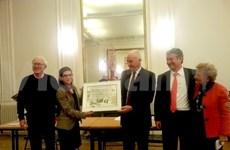 Une thèse sur la céramique vietnamienne reçoit le grand prix de l'AAFV