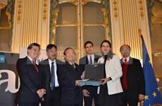 Culture : activités du ministre vietnamien en France