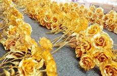 8 mars: des cadeaux originaux plaqués or pour les femmes