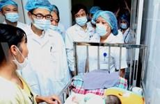 Face à la rougeole, de meilleurs soins et la vaccination