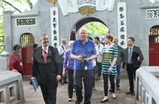 La délégation du Sénat américain termine sa visite au Vietnam