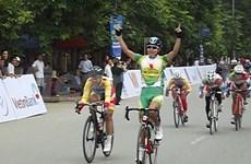 """Clôture de la course cycliste """"Retour à Dien Bien Phu 2014"""""""
