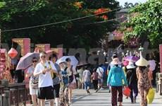 Les Vietnamiens voyagent au Vietnam