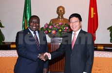 Le ministre zambien des Affaires étrangères au Vietnam