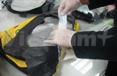 Saisie de près de 3,97 kg de cocaïne à Tan Son Nhat