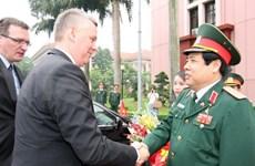 Vietnam-Pologne : renforcement de la coopération dans la défense