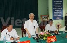 Le chef du Parti travaille avec les autorités de Hâu Giang