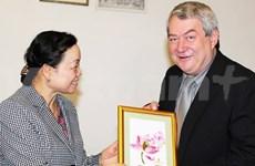 Une délégation du CC du PCV en visite en République tchèque
