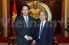Le président de l'AN du Vietnam reçoit un diplomate chinois