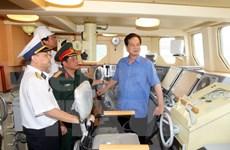 Nguyen Tan Dung rend visite à la Compagnie générale Ba Son