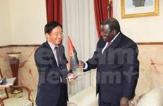 La capitale de l'Angola souhaite établir un jumelage avec Hanoi