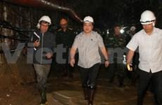 Le vice-PM Hoang Trung Hai surveille les secours des ouvriers piégés