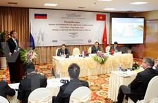 Russie : l'ambassadeur vietnamien rencontre l'assistant du président russe