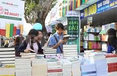 Attente de la prochaine journée du livre à Cân Tho