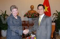 La secrétaire d'Etat adjointe américaine reçue par des dirigeants vietnamiens