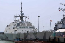 Deux navires de la Marine américaine à Da Nang