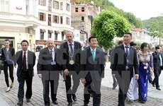 Activités du Président Truong Tân Sang en République tchèque
