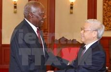 Des dirigeants vietnamiens reçoivent une délégation cubaine