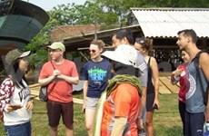 Hôi An : Des étudiants qui se muent en guides touristiques