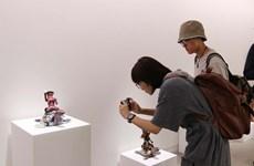 """Ouverture de l'exposition """"La traversée du désastre"""" à Hô Chi Minh-Ville"""