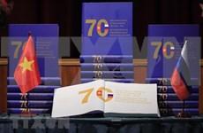 Présentation d'un livre sur 70 ans des relations Vietnam-Russie