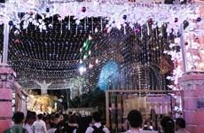 L'ambiance de Noël illumine le pays