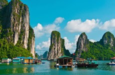 La baie de Ha Long est autorisée à accueillir à nouveau les visiteurs à partir du 4 mai