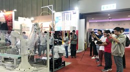 Ouverture d'une série de salons sur l'industrie auxiliaire à Ho Chi Minh-Ville