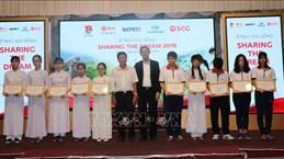 Le groupe thaïlandais SCG remet des bourses à des élèves vietnamiens
