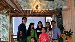 Les Vietnamiens en Suisse soutiennent la lutte locale contre la pandémie de COVID-19