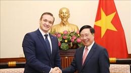 Le vice-PM et ministre des AE Pham Binh Minh reçoit le ministre littuanien de l'Intérieur