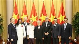 Le SG du Parti communiste et président Nguyen Phu Trong reçoit de nouveaux ambassadeurs étrangers