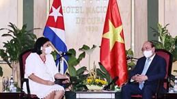 Le président Nguyen Xuan Phuc rencontre des amis cubains