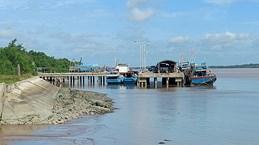 Ben Tre: installation des système de surveillance des bateaux pour lutter contre la pêche INN