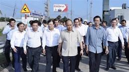 Le PM en visite sur le chantier de l'autoroute Trung Luong-My Thuan