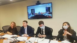 Le Vietnam et la Russie discutent des projets en priorité au milieu du COVID-19