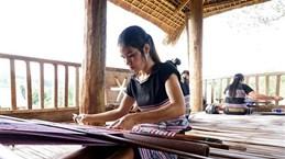 Le tissage de brocatelles des H'rê inscrit au patrimoine culturel immatériel national