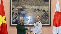 Une délégation de militaires japonais en visite au Vietnam