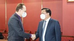 Le secrétaire du Comité municipal du Parti de Hanoï reçoit l'ambassadeur de Russie