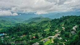 Portails uniques à Sin Suoi Ho - village de l'ethnie Mong à Lai Chau