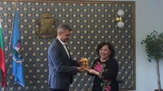 Une délégation de Hanoi  travaille en Bulgarie et au Portugal