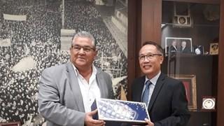 Le Parti communiste de Grèce souhaite renforcer ses liens avec son homologue vietnamien