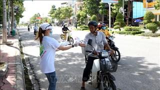 Ninh Thuan contrôle les travailleurs revenus de zones touchées par l'épidémie de COVID-19